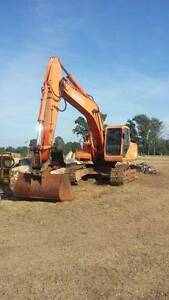Excavator 22 ton Daewoo 220lcv 2004 Berkshire Park Penrith Area Preview