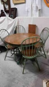 Round Maple Table with Leaf & 4 Chairs