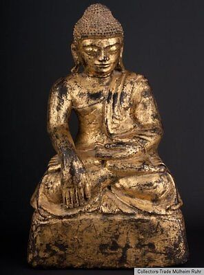 Südostasien 19. Jh. Holz - A Lacquered & Gilded Wood Figure of Buddha - Bouddha