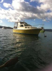 Roberts Long Boat 21-----Cruiser Beauty Point West Tamar Preview