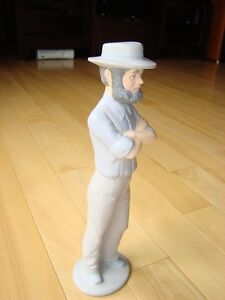"Ceramic Amish/ Mennonite Male 12""tall  Statue by ClayMates $8.00 Kitchener / Waterloo Kitchener Area image 4"