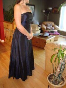 Women's Dress - Black Fairweather Dress - Size 4 -Dark Navy Blue Kitchener / Waterloo Kitchener Area image 2