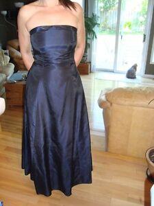 Women's Dress - Black Fairweather Dress - Size 4 -Dark Navy Blue