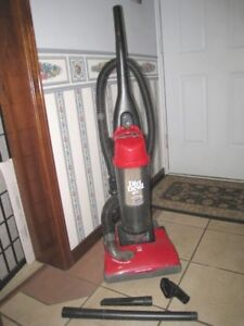 Slightly used Dirt Devil Upright Bagless Vacuum in great conditi