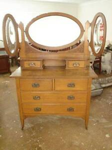 Oak dresser with 3 winged bevelled mirrors exc cond $499 Cronulla Sutherland Area Preview