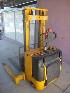 Forklift, walk behind, flat surface use, very little use. Cranbrook Townsville City Preview