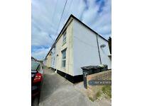 3 bedroom house in Cobden Street, Gosport, PO12 (3 bed) (#1074179)