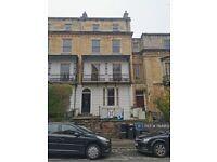 2 bedroom flat in Richmond Park Road, Bristol, BS8 (2 bed) (#1164902)