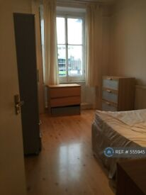 1 bedroom flat in Clapham Common Southside, London, SW4 (1 bed) (#555945)