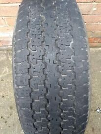 one tyre 245/70/r16