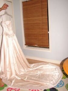 Private Label by G - Size 8 - Beautiful wedding dress