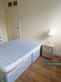1 bedroom in Southwark Park Road, London, SE16 (#1083384)
