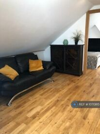 1 bedroom flat in Verity House, London, NW8 (1 bed) (#1070815)