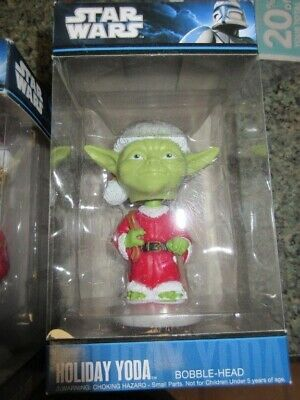 2010 FUNKO Star Wars YODA Bobble-Head Holiday Christmas NEW!