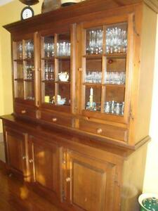 Buffet et vaissellier // Hutch and buffet