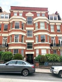 3 bedroom flat in Cumberland Mansions, London, NW6 (3 bed) (#1121514)