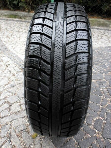 Zimopa opona MICHELIN PRIMACY ALPIN PA3 ZP 205/55/16  1x8,5mm