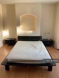 1 bedroom in Woolwich Rd, London, SE10 (#1020125)