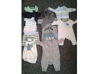 JOBLOT DESIGNER BABY BOYS 0-6 MONTH CLOTHES GAP,TED BAKER,JOHN LEWIS,GUESS,WRANGLER + MORE £30