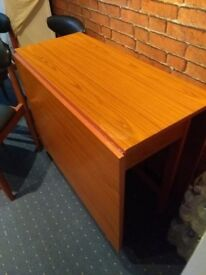 schreiber vintage retro drop leaf gate legs table and 4 chairs good clean condition old but good