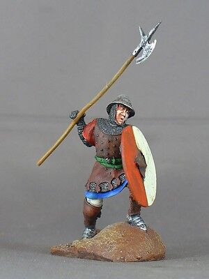 Medieval Man-at-arms armored foot soldier 54mm model medal figure war knight