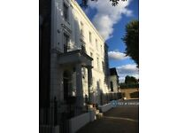 1 bedroom flat in Camberwell Grove, London, SE5 (1 bed) (#1084538)