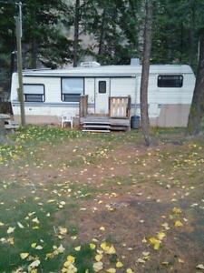 Nice 5th wheel by creek All Inclusive