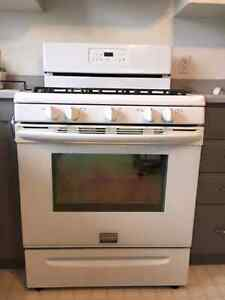 Frigidaire Propane Stove -  Excellent condition