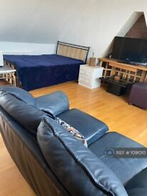 Studio flat in Chamberlayne Road, London, NW10 (#1091010)