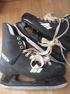 Men's Micron Skates - size 8 and half