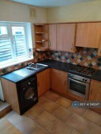 1 bedroom flat in Smallwood Road, London, SW17 (1 bed) (#1141247)