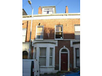 TO LET- 21B Claremont Street, Belfast BT9 6UA
