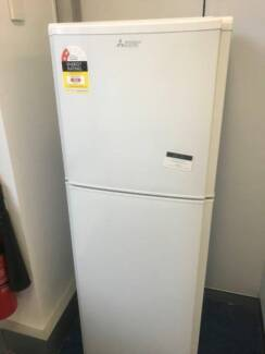 near new Fridge freezer