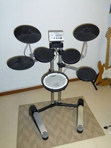 Roland Electronic Drum HD-1 Kit in perfect  condition