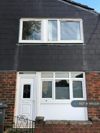 3 bedroom house in Turnpike Close, London, SE8 (3 bed) (#993329)