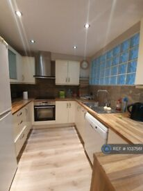2 bedroom flat in Windmill House, London, E14 (2 bed) (#1037561)