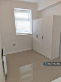 1 bedroom flat in Susannah Street, London, E14 (1 bed) (#1133120)