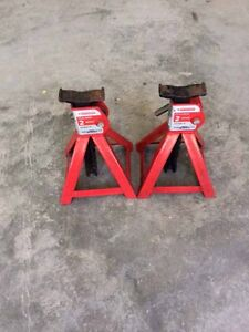 Mastercraft ratcheting axle stands