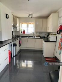 3 bedroom house in Chandos Crescent, Edgware, HA8 (3 bed) (#1099588)