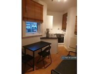 1 bedroom flat in Sarre Road, London, NW2 (1 bed) (#1220198)