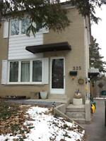 Upper level 3 bedroom above ground in Richmond Hill for rent