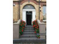 3 bedroom flat in Aigburth Drive, Liverpool, L17 (3 bed) (#1040150)