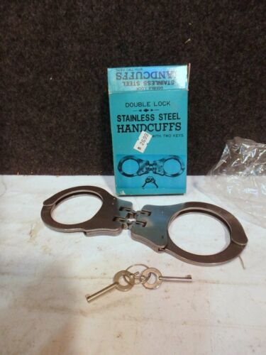 NEW MINT IN BOX DOUBLE Hinged DOUBLE LOCK STAINLESS STEEL Handcuffs W/ KEYS
