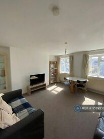 3 bedroom flat in Rosehill Road, London, SW18 (3 bed) (#1039030)