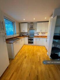 2 bedroom flat in Alscot Road, London , SE1 (2 bed) (#1055922)