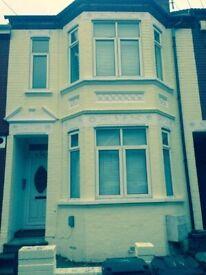 Luxury Studio/Bedsit to rent in Hazelbury Crescent LU1 1DG