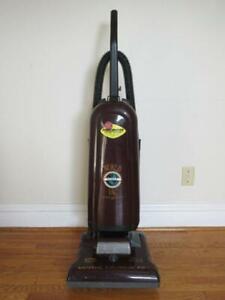 Full Size Eureka Vacuum -- Works Perfectly