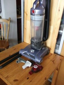 Hoover Windtunnel Bagless Cyclonic Upright Vacuum T-Series