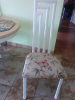 Chaises blanches (4)