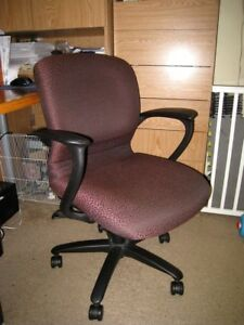 Wide Computer Chair, comfortable, good condition